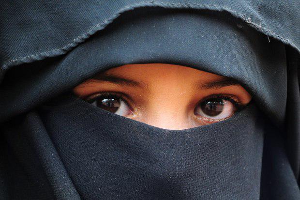 تصویر ممنوعیت پوشش کامل چهره برای بانوان در آلمان
