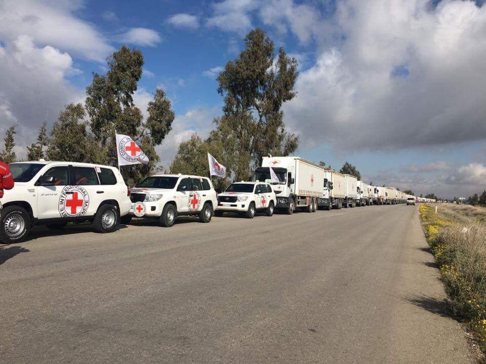 تصویر ورود کاروان های امدادرسانی به فوعه و کفریا و ۲ شهر حومه دمشق