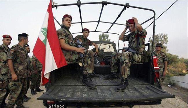 تصویر بازداشت دو تروریست داعشی در لبنان