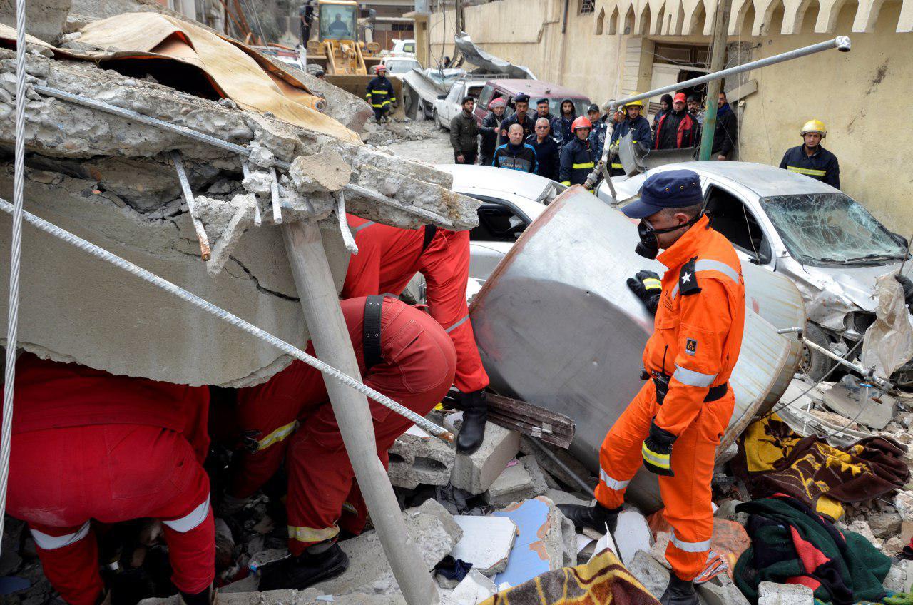 تصویر کشته شدن بیش از ۲۰۰ غیرنظامی عراقی در حمله جنگندههای ائتلاف آمریکا