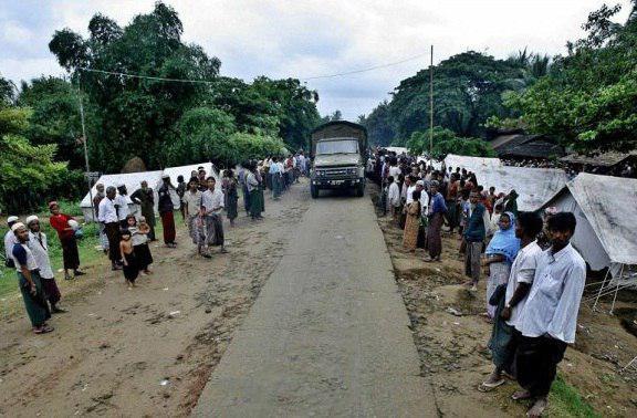 تصویر قتل عام خانوادهای مسلمان در میانمار