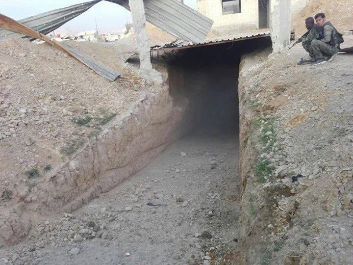 تصویر کشف تونل های ماشین رو تروریست ها در شرق دمشق