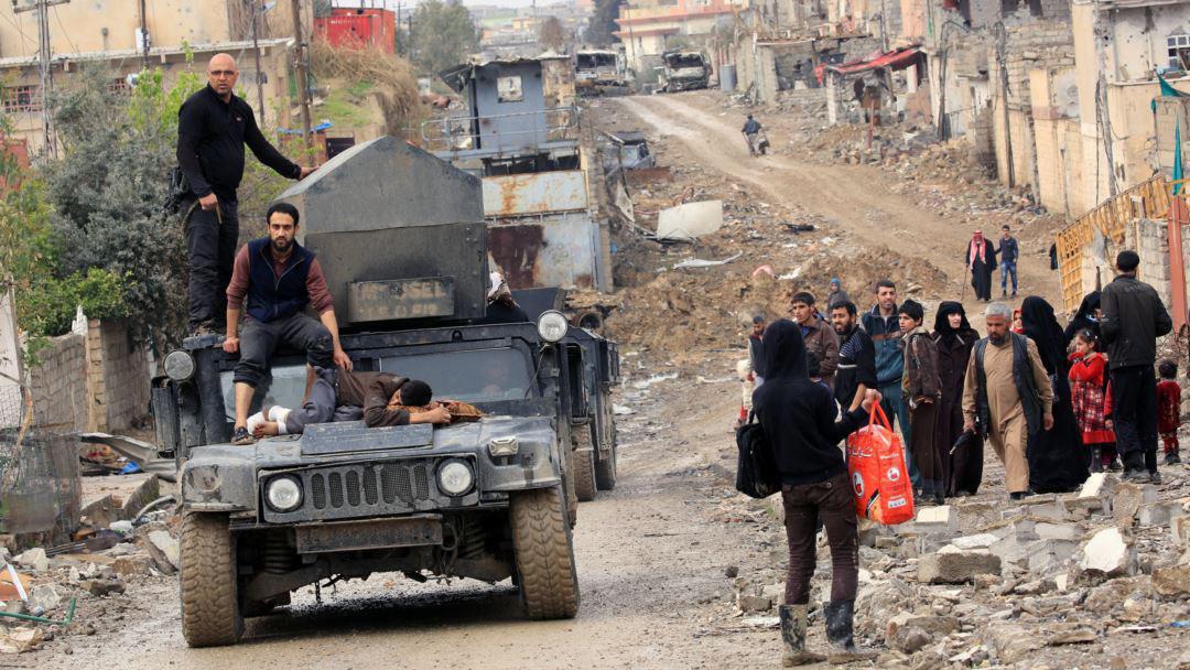 تصویر ۲۶۰ هزار نفر از محاصره داعش آزاد شدند