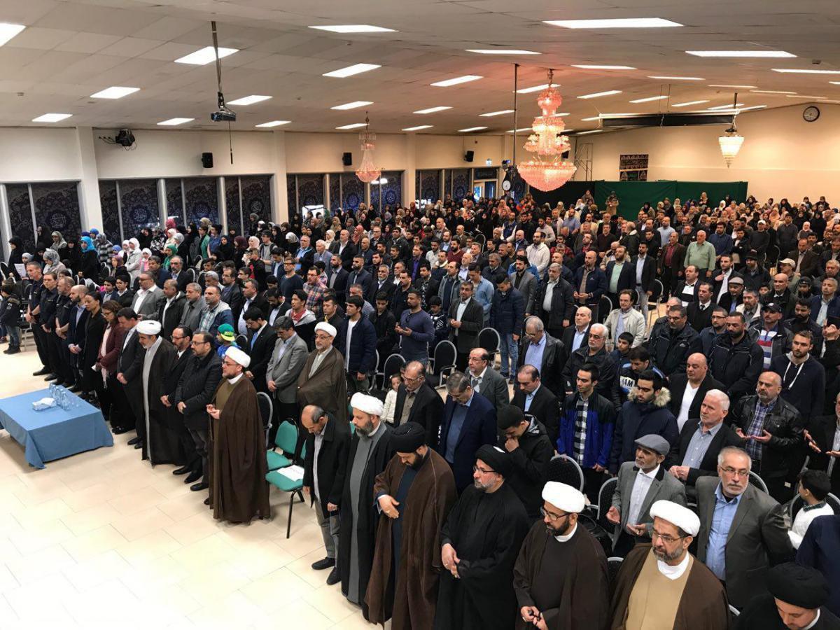 تصویر محکومیت به آتش کشیدن مرکز اسلامی سوئد در جمع پیروان ادیان