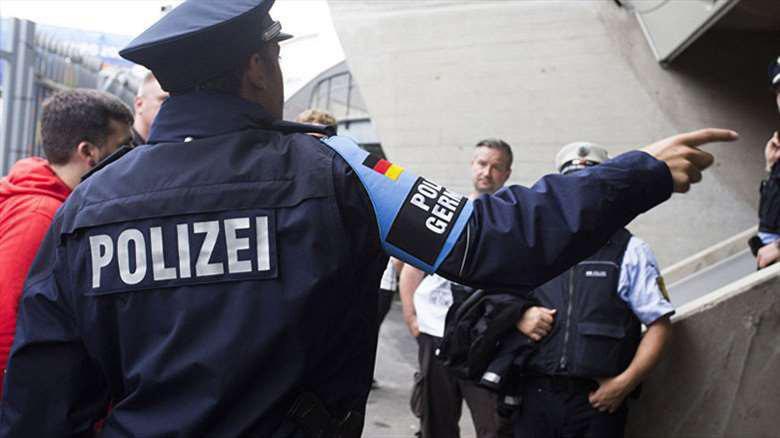 تصویر بازداشت دو سنی تندرو در آلمان