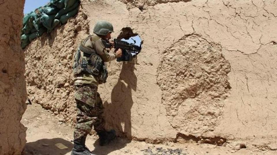 تصویر هلاكت ده ها سنى تندروي مسلح توسط نيروهاى امنيتي افغانستان