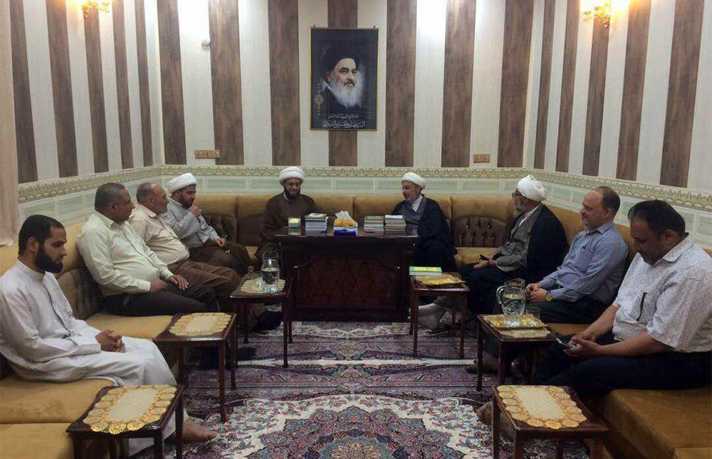 تصویر برگزاری نشست های علمی ویژه ماه مبارک رمضان در دفتر آیت الله العظمی شیرازی شهر بصره