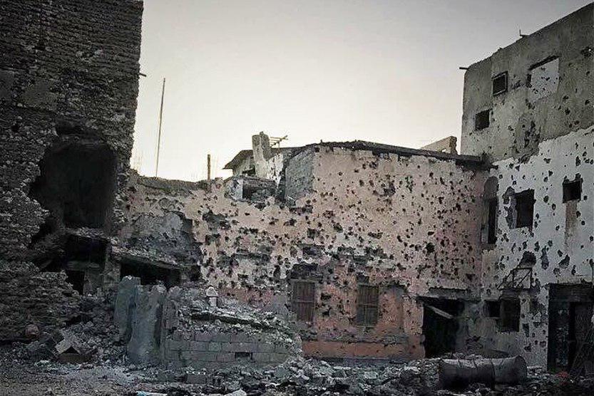 تصویر بیستمین روز محاصره محله شیعه نشین در عربستان