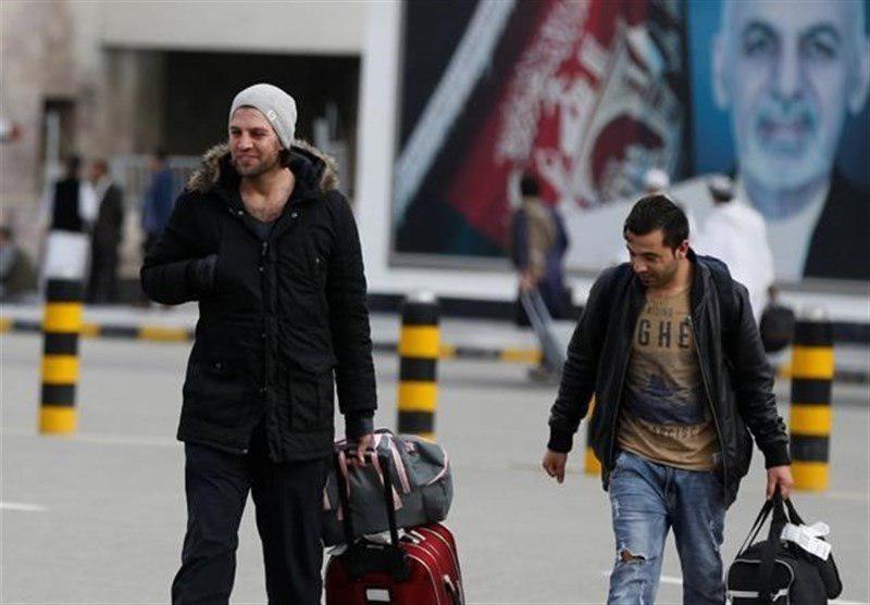 تصویر اخراج اجباری پناهجویان افغان از اتریش همزمان با انفجار کابل