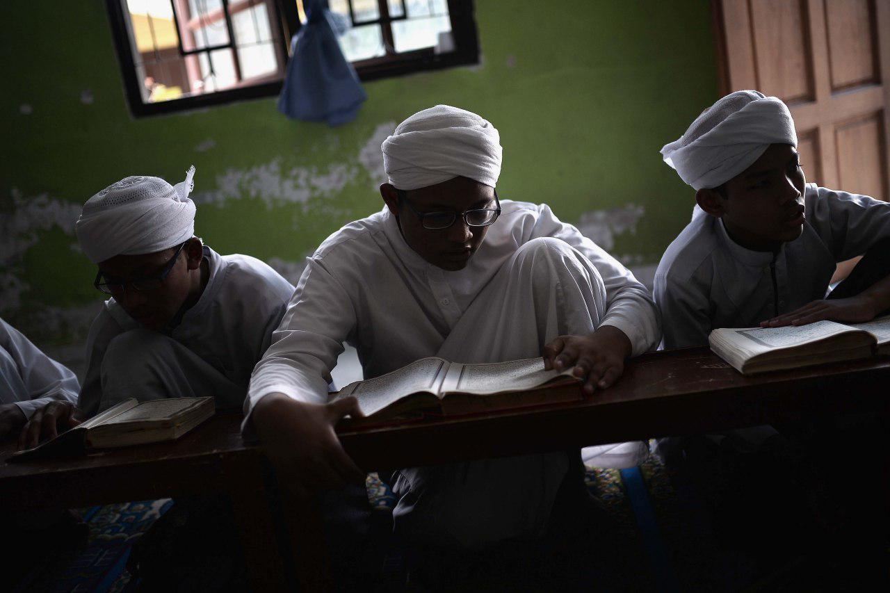 تصویر شرکت در مراسم مذهبی؛ ضامن طول عمر