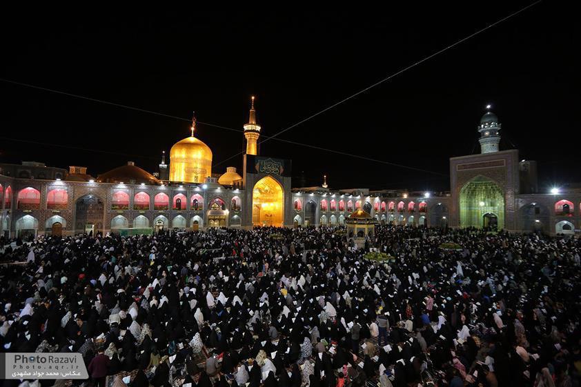 تصویر گزارش تصویری ـ اولین شب احیاء در حرم مطهر رضوی در شهر مقدس مشهد