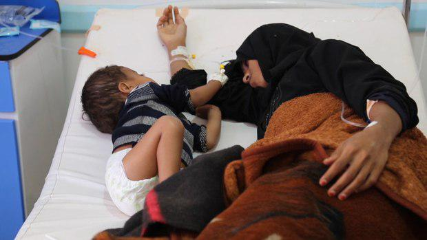 تصویر بزرگترین قربانیان وبا و جنگ در یمن کودکان هستند