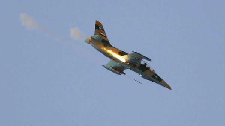 تصویر هلاکت ده ها تروریست داعش در بمباران حومه رقه و حلب