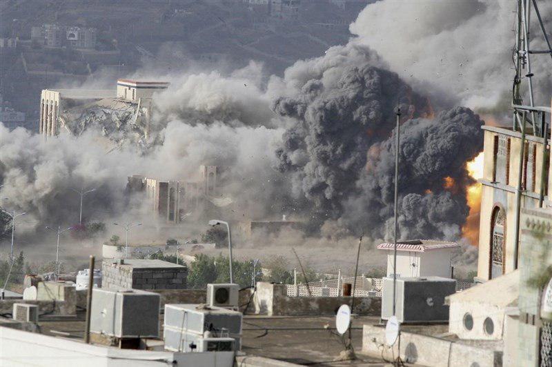 تصویر حمله جنگندههای سعودی به یک بازار در یمن
