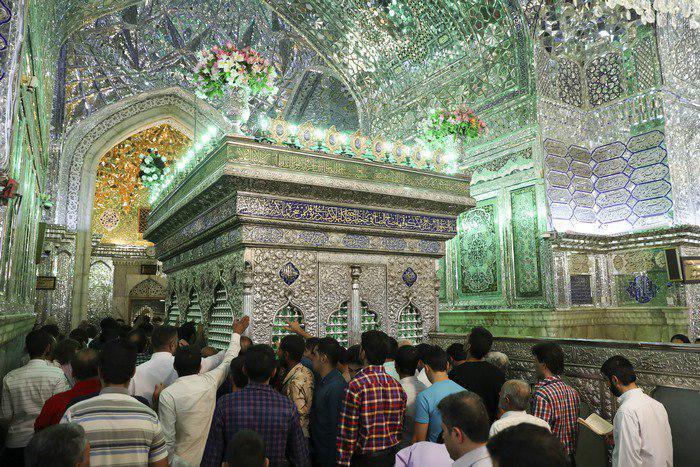 تصویر گزارش تصویری ـ نماز عید سعید فطر در حرم مطهر «احمدبن موسی الکاظم علیهما سلام» معروف به شاه چراغ در شیراز