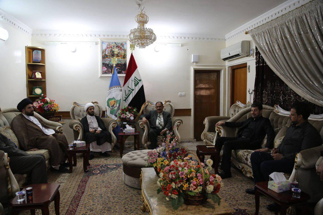 تصویر بازدید مجموعه رسانه ای امام حسین علیه السلام  از مجلس استانداری نجف اشرف