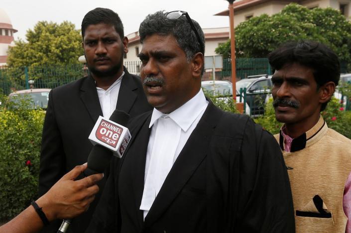 تصویر دادگاه عالی هند قانون منع ذبح گاوها را رد کرد