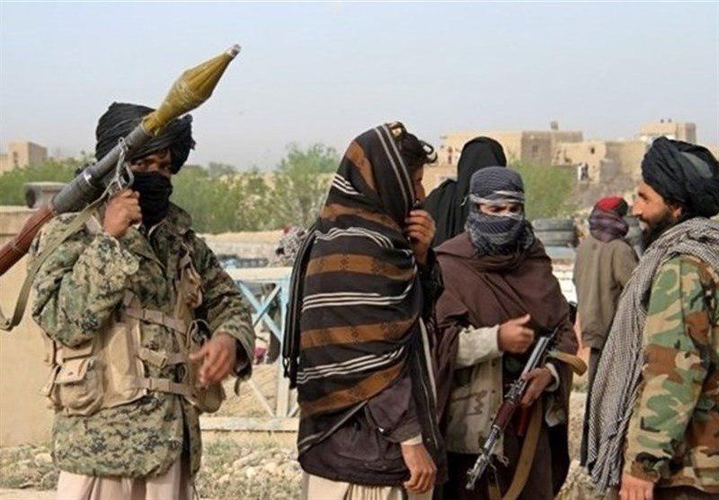 تصویر اسارت 10 نظامی در حمله طالبان به پاسگاه نیروهای ارتش در شمال غرب افغانستان