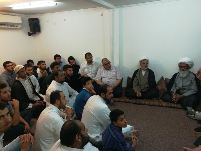 تصویر دیدار تعدادی از دانشجویان عراقی با آیت الله العظمی بشیر النجفی