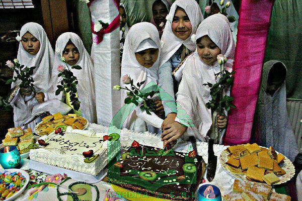 تصویر نخستین جشن تکلیف دختران مسلمان در بلژیک
