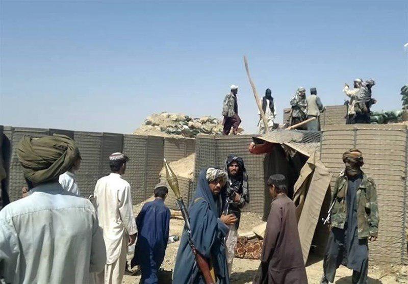 تصویر حمله عناصر طالبان به پاسگاههای جنوب شرق افغانستان