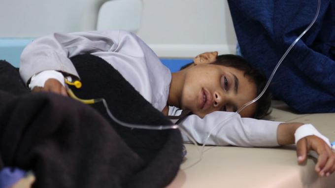 تصویر یک میلیون کودک یمنی در معرض ابتلا به وبا