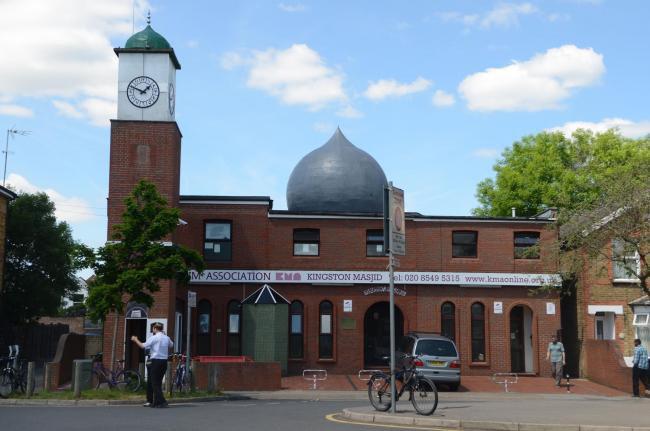 تصویر برگزاری نمایشگاه در مسجد «کینگستون» کانادا