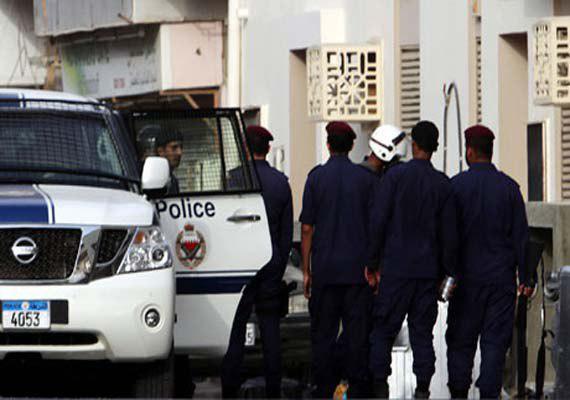 تصویر شکنجه بازداشت شدگان و خود داری از درمان زندانیان