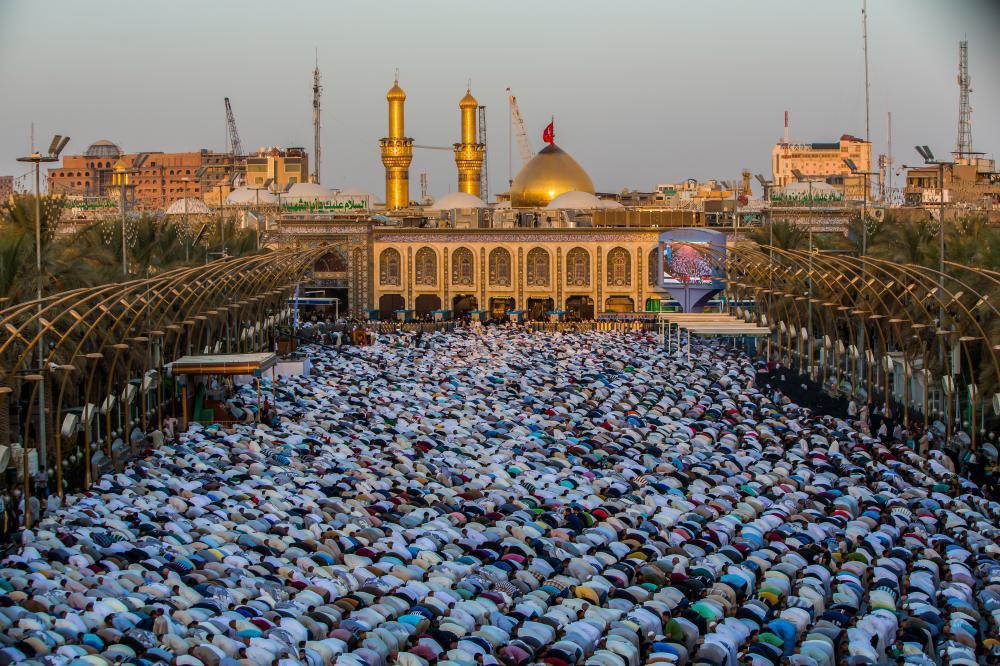 تصویر گزارش تصویری ـ برپایی نماز عید قربان در «بین الحرمین شریفین» در شهر مقدس کربلا