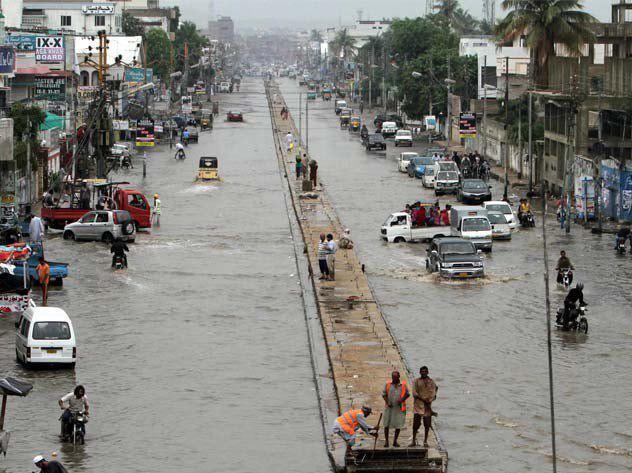تصویر جاری شدن سیل در کراچی