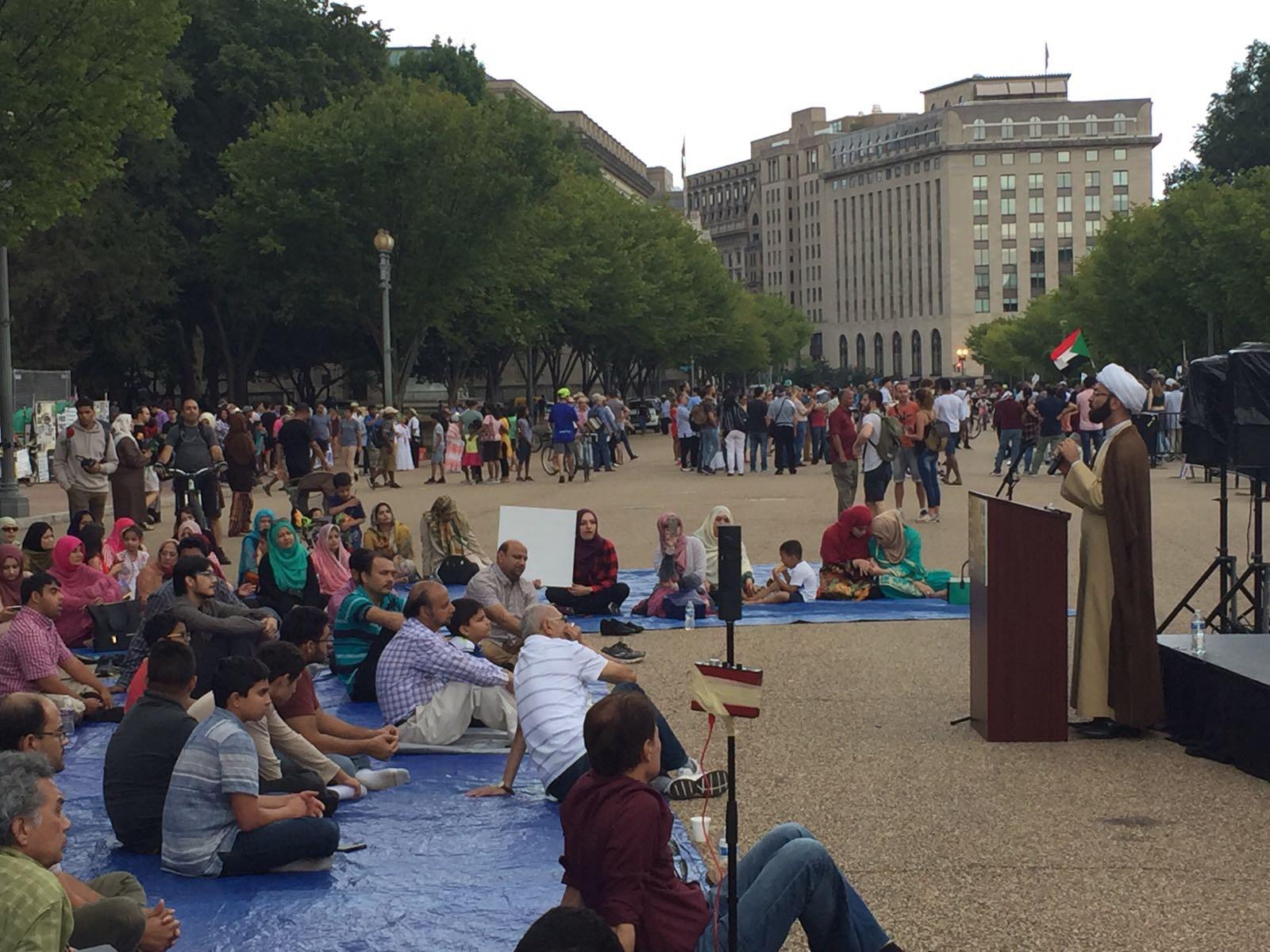 تصویر گرامیداشت غدیر در مقابل کاخ سفید