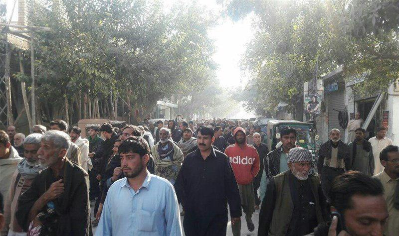 تصویر اعتراضات خیابانی زوار پاکستانی در «کویته»؛ «ما را از حبس آزاد کنید»
