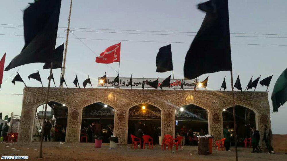 تصویر خدمت رسانی به زائران پیاده امام رضا علیه السلام به همت حسینیه کربلایی های شهر مقدس مشهد