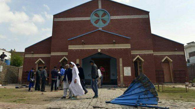 تصویر داعش مسئولیت حمله به کلیسا در پاکستان را بر عهده گرفت