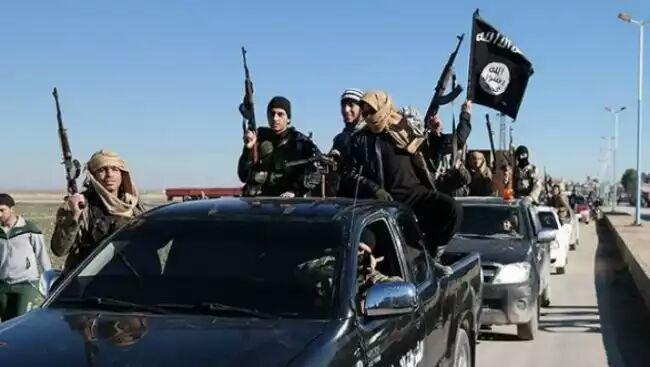 تصویر کمپین پاکسازی الانبار عراق از نمادهای داعش