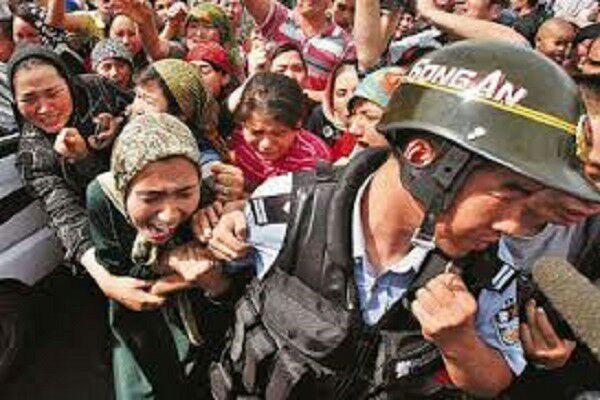 تصویر مجازات مسلمانان چین در صورت انتقاد از حکومت