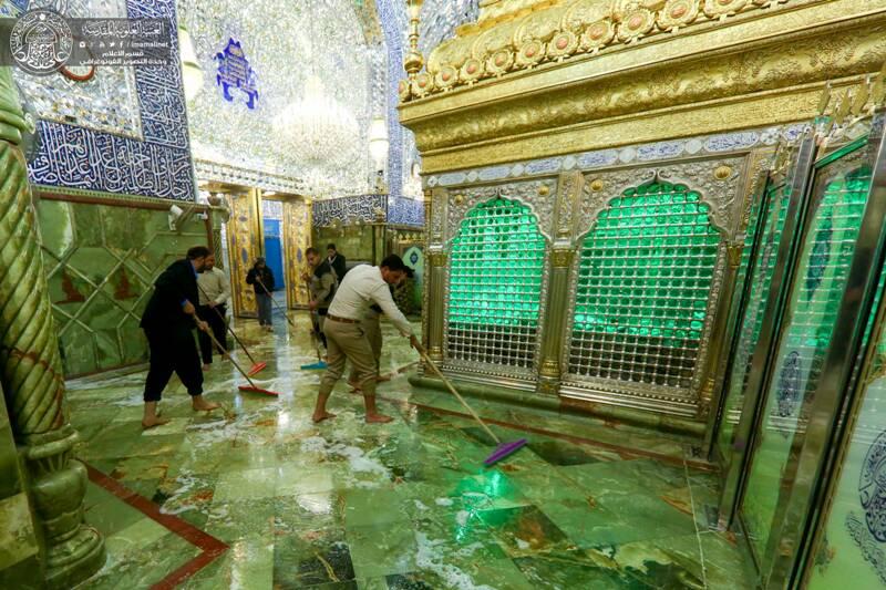 تصویر گزارش تصویری – شست و شوی گنبد و بارگاه، رواق ها و اطراف ضریح حضرت امیرالمومنین علیه السلام
