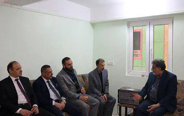 تصویر دیدار مدیر مرکز روابط عمومی دفتر مرجعیت شیعه با نمایندگانی از زیارتگاه های شیعی عراق