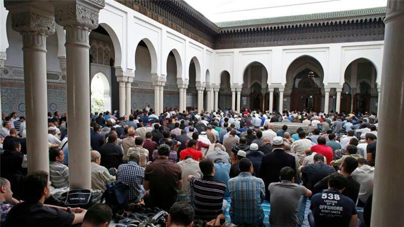 تصویر اسلام دومین دین در حال گسترش در ایتالیا
