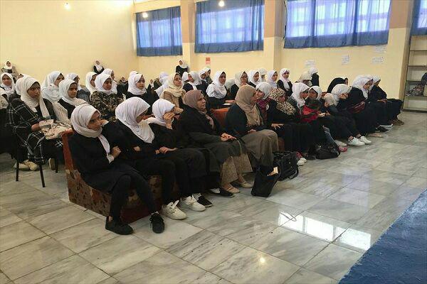 تصویر رقابت قرآنی دانشآموزان دختر در لیبی
