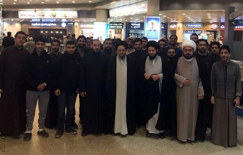 تصویر استقبال حضور شخصیت های کویتی در مراسم استقبال از فرزند مرجعیت شیعه