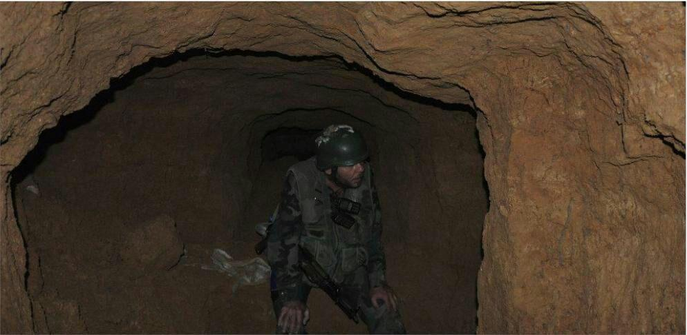 Photo of ارتش سوریه از کشف تونل ۵۰۰ متری داعش خبر داد