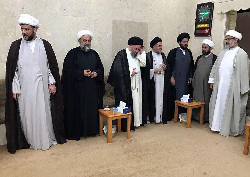 تصویر پایان دیدارهای آیت الله سید حسین شیرازی با شخصیت های مختلف کشور کویت