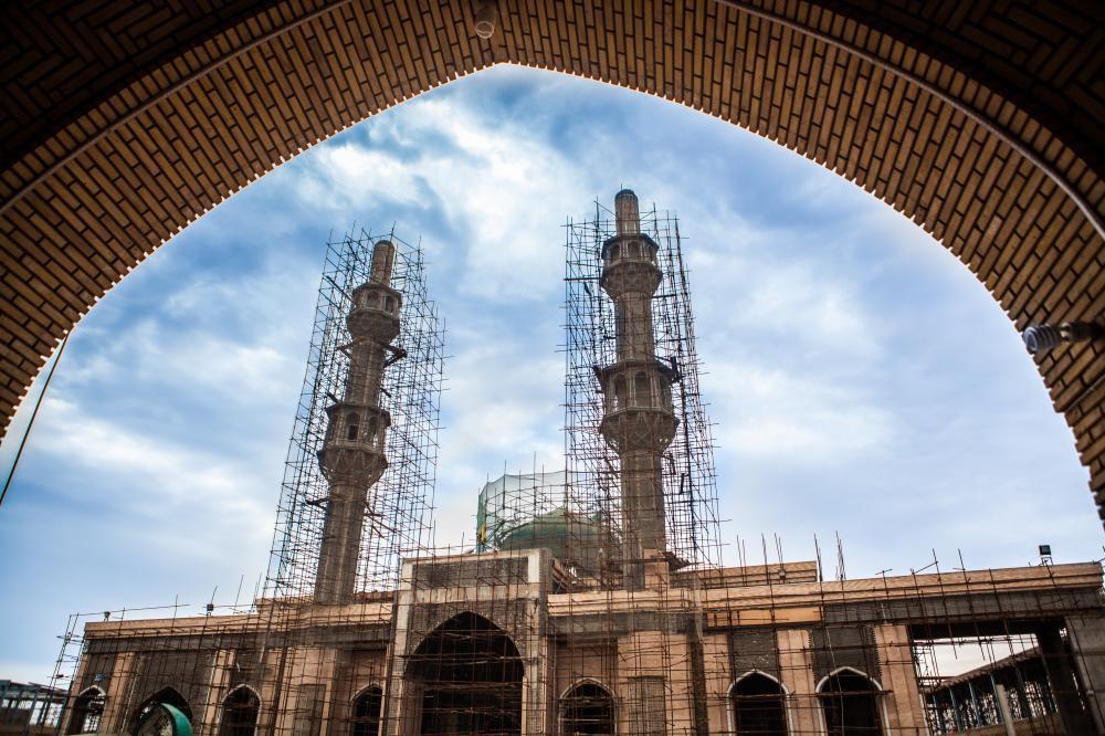 تصویر طلا کاری و کاشیکاری گنبد مقام حضرت حجت عجل الله تعالی فرجه در مسجد سهله