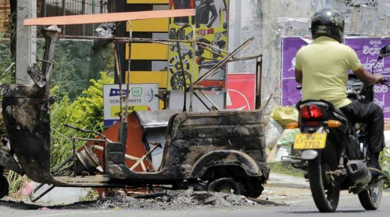 تصویر گروههای نژادپرست بودایی شبانه مسلمانان سریلانکا رامورد حمله قرار دادند