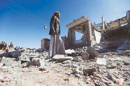 تصویر ادامه بمباران یمن توسط ائتلاف سعودی