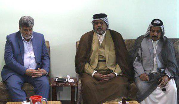 تصویر دیدار عشایر نجف اشرف با مدیر راوابط عمومی مرجعیت شیعه