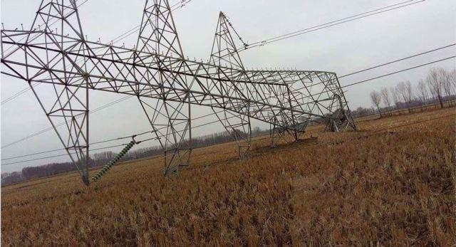 تصویر قطع برق کابل توسط عناصر طالبان