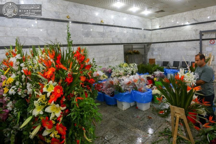 تصویر گزارش تصویری ـ آماده سازی 14 هزار شاخه گل طبیعی برای تزئین آستان مقدس علوی در آستانه ولادت امیرالمومنین علیه السلام
