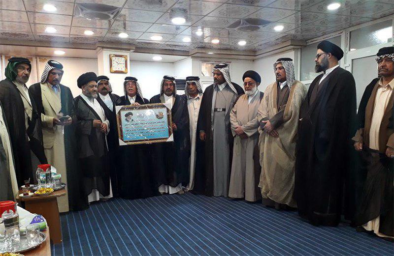 تصویر حضور روسای عشایر منطقه الفرات الاوسط در دفتر مرجعیت شیعه در نجف اشرف